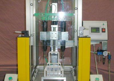 Sistema avvitatura componente in plastica