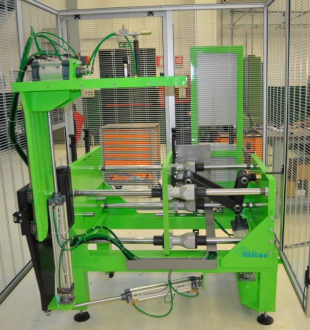 macchina-stampaggio-calotta-fibra-02